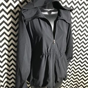 Lululemon black zip up jacket sz 6